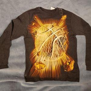 Basketball shirt nwt